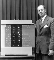 """H.P. Luhn, autor del artículo """"A Busines Intelligense System"""" (1958)"""